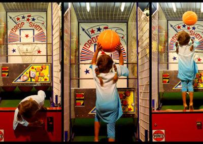 Courtincom - Triptyque d'une enfant dans un parc d'attraction