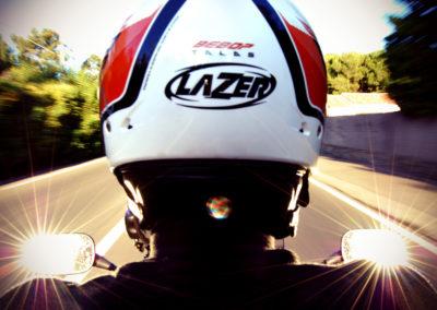 Courtincom - photographie à l'arrière d'un scooter